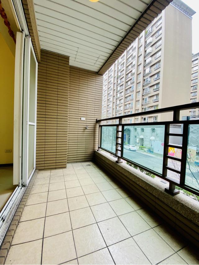 OUTLET經典帝晶3房露台戶,新北市林口區文化三路一段