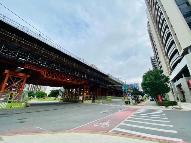皇翔百老匯方正採光4房車,桃園市八德區建德路